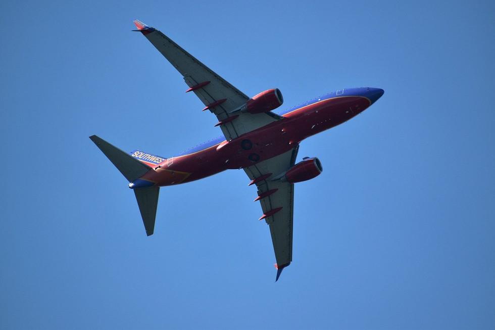 SW 1 airplane-5307363_1280.jpg