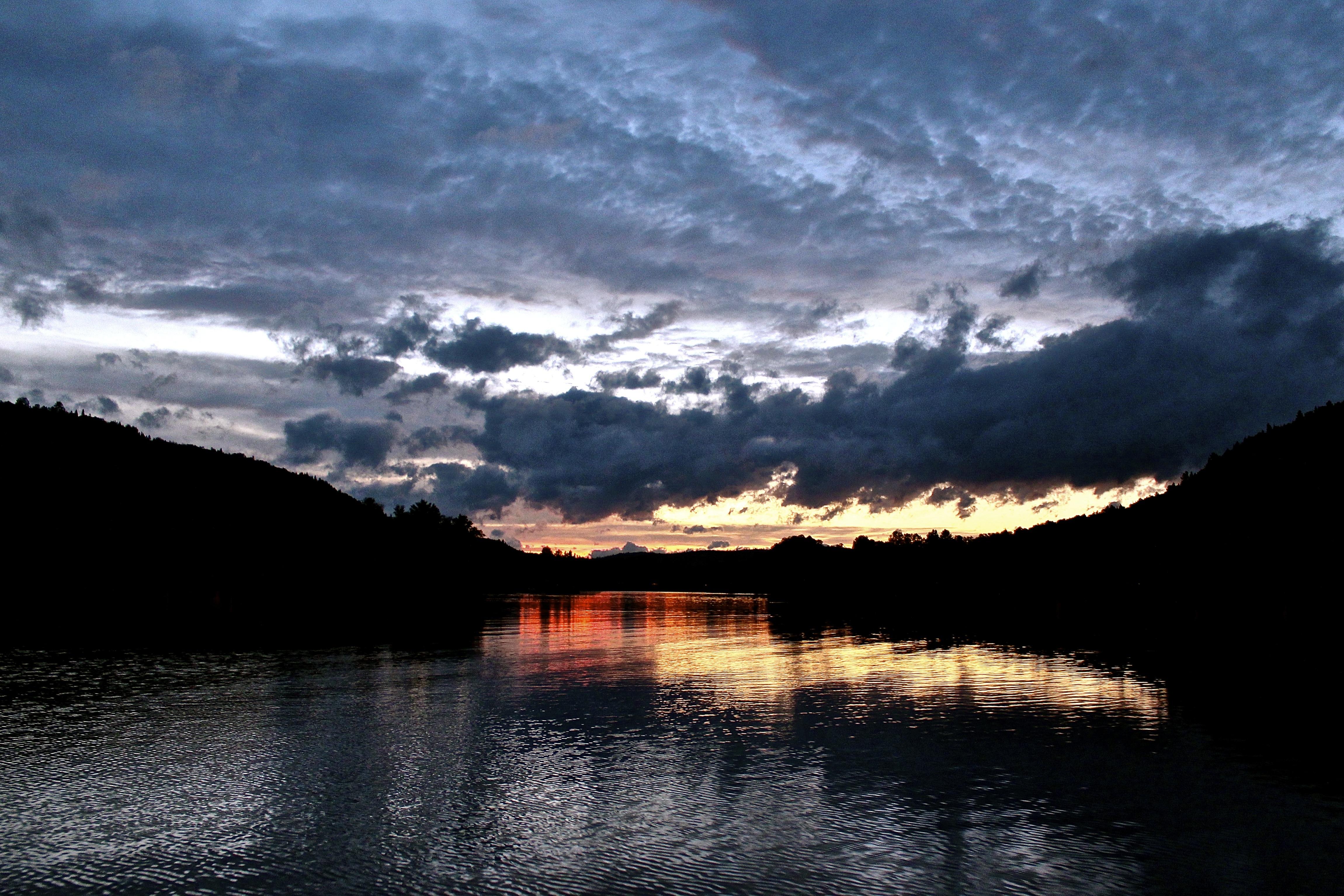 Lac - soleil couchant