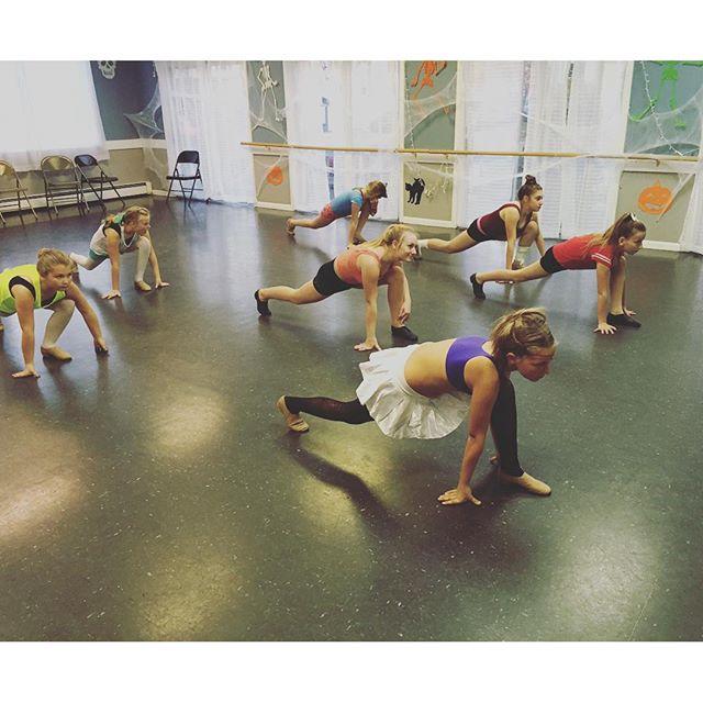 Stretching #southportlandmaine#danceclass#team#spotlightdancecompany#jazzdance#warmup#pointyourfeet#