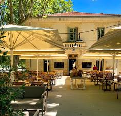 Fancy restaurant at Pont du Gard.jpg
