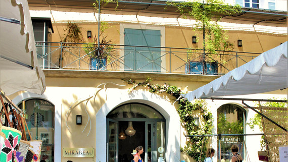 Mirabeau boutique on the Cours
