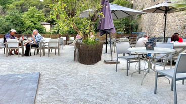 Beach terrace La Tuf.jpg