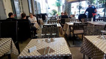 La Table des Coquelicots.jpg