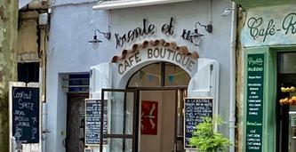Au Trente et un café and boutique