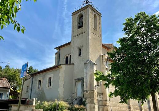 Main church Eygalières.jpg
