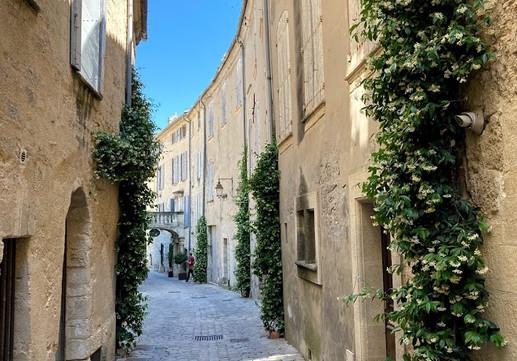 Beautiful side streets of Uzes.jpg