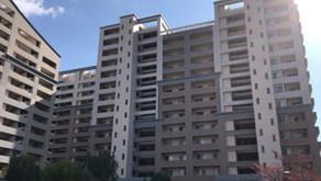 紛争の末、傾斜マンション「ベルヴィ香椎 六番館」の建替え工事がスタート(後)
