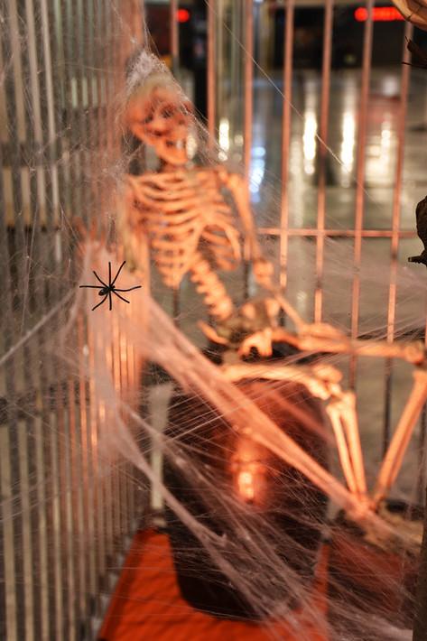 Squelette sur Tonneau