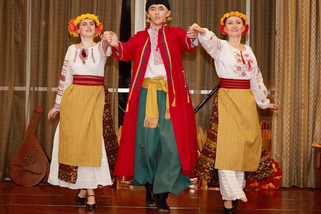 Malanka dancer trio 2017_edited
