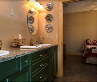 **NO LONGER AVAILABLE**Gid & Riley Rooms' shared bath