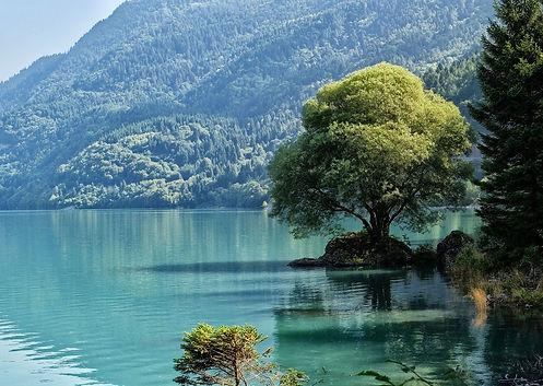 lake-4166269_1280.jpg