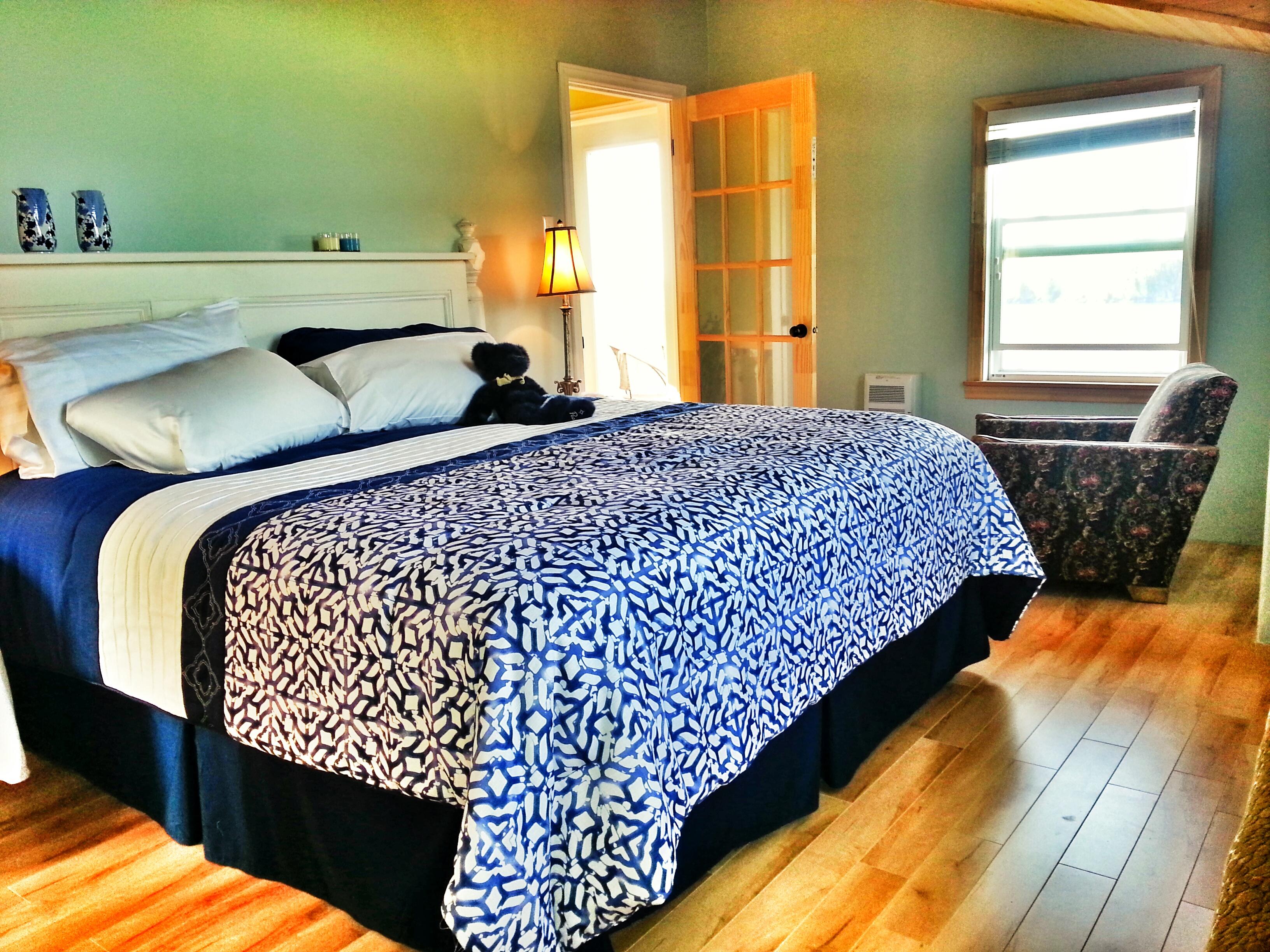 Inn on Capelin Bay Bedroom