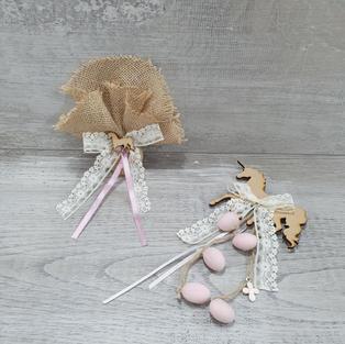 Wooden unicorn motifs with sugared almonds.