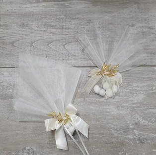 Organza bonbonniere with gold plated olive leaf embellishment.