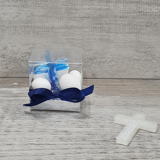 Handmade 3cm Luna ombre resin cross with sugared almonds in clear box.