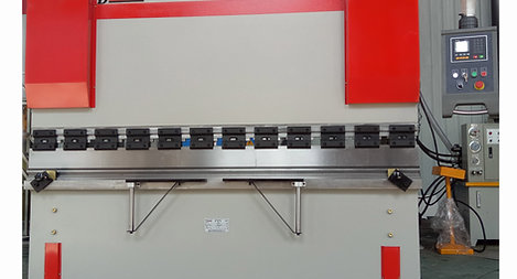 Press Brake WC67K-65T (5 ft)