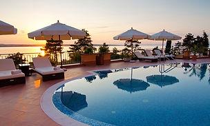 Poolside Hotels