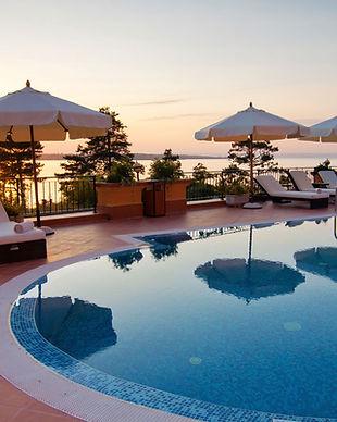 Hôtel près de la piscine