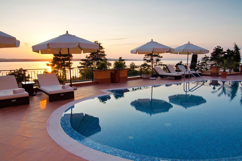 Hotel przy basenie
