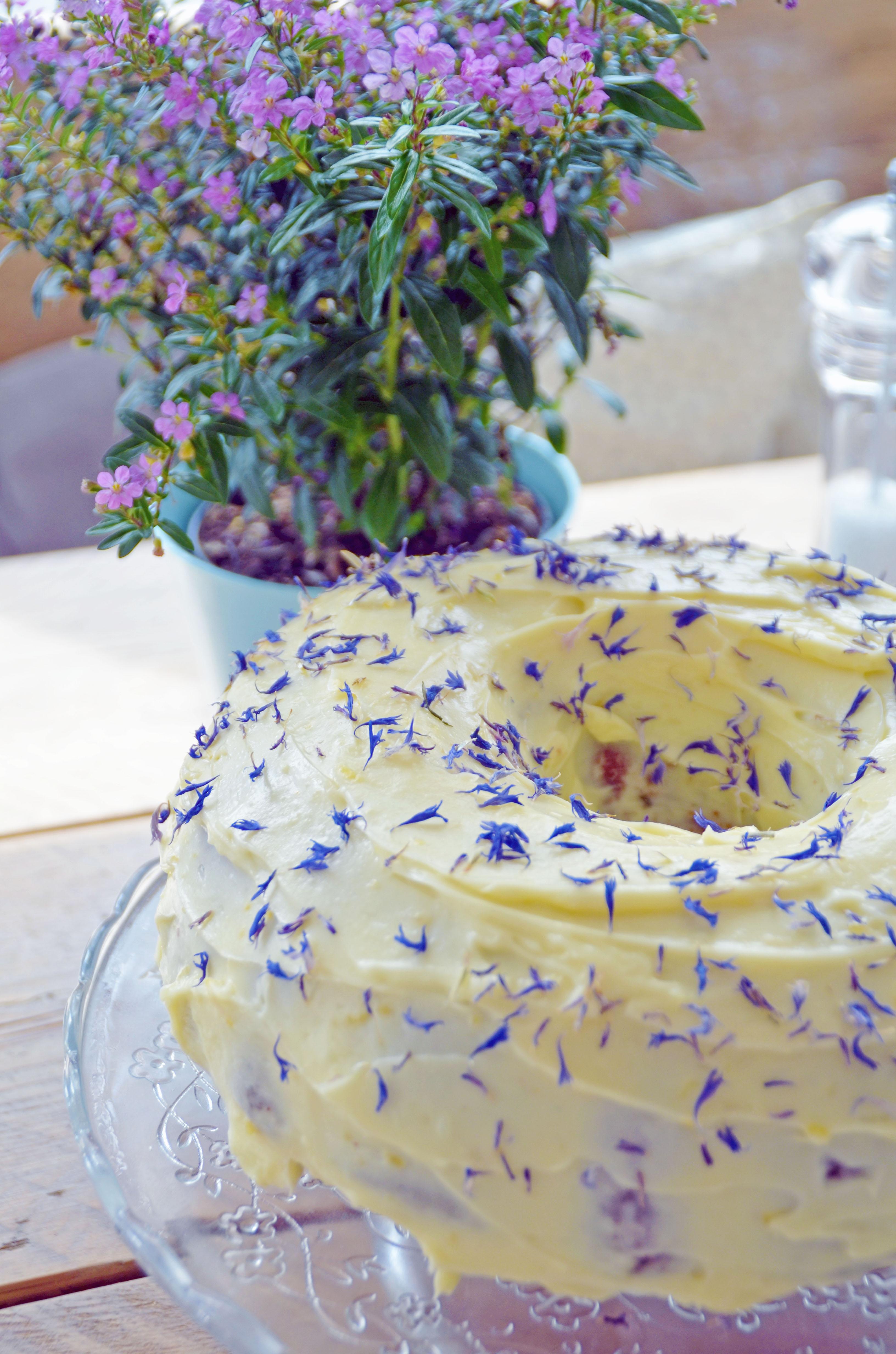 Earl Grey & Lemoncurd Cake