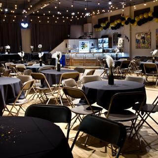 Auditorium banquet style round tables 1.