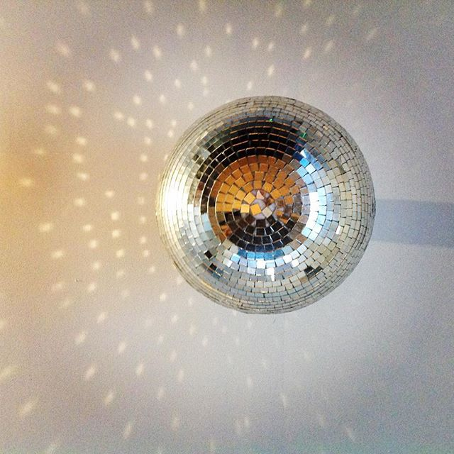 We also had to give the disco ball one last spin 😀 #everydayisagooddaytodisco #perksofthejob #ealyo