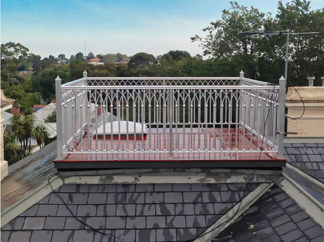 Viewing deck on the roof