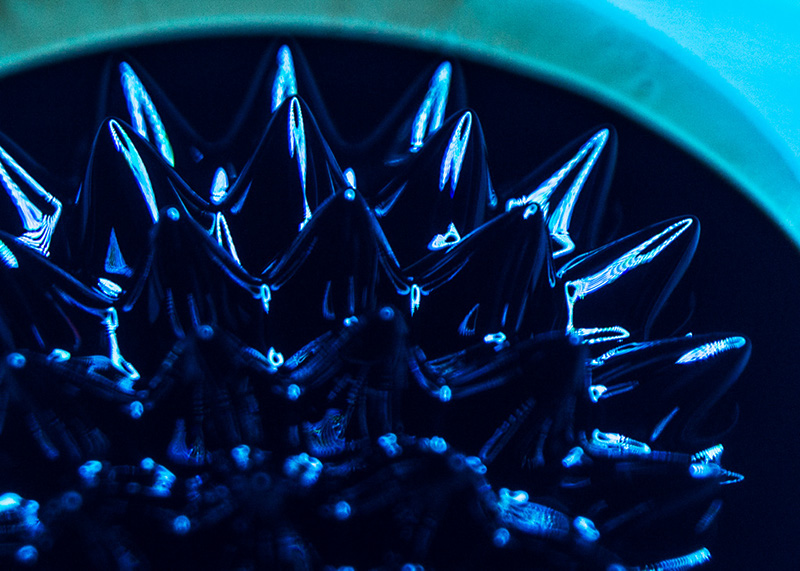 lightblue-spikes-mid-angle-003-5x7