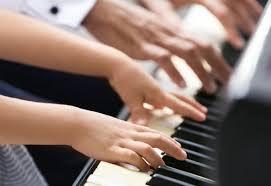Group piano classes.jpeg
