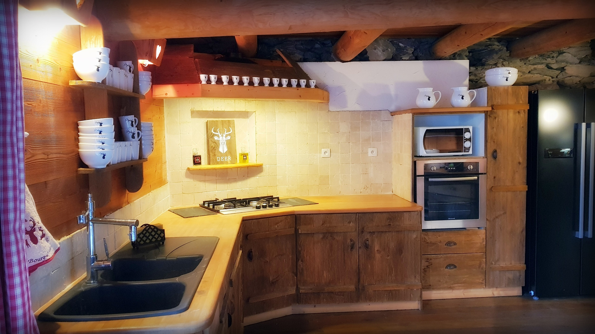 Cuisine Cosy Lodge Bourg D'Oisans.jpg