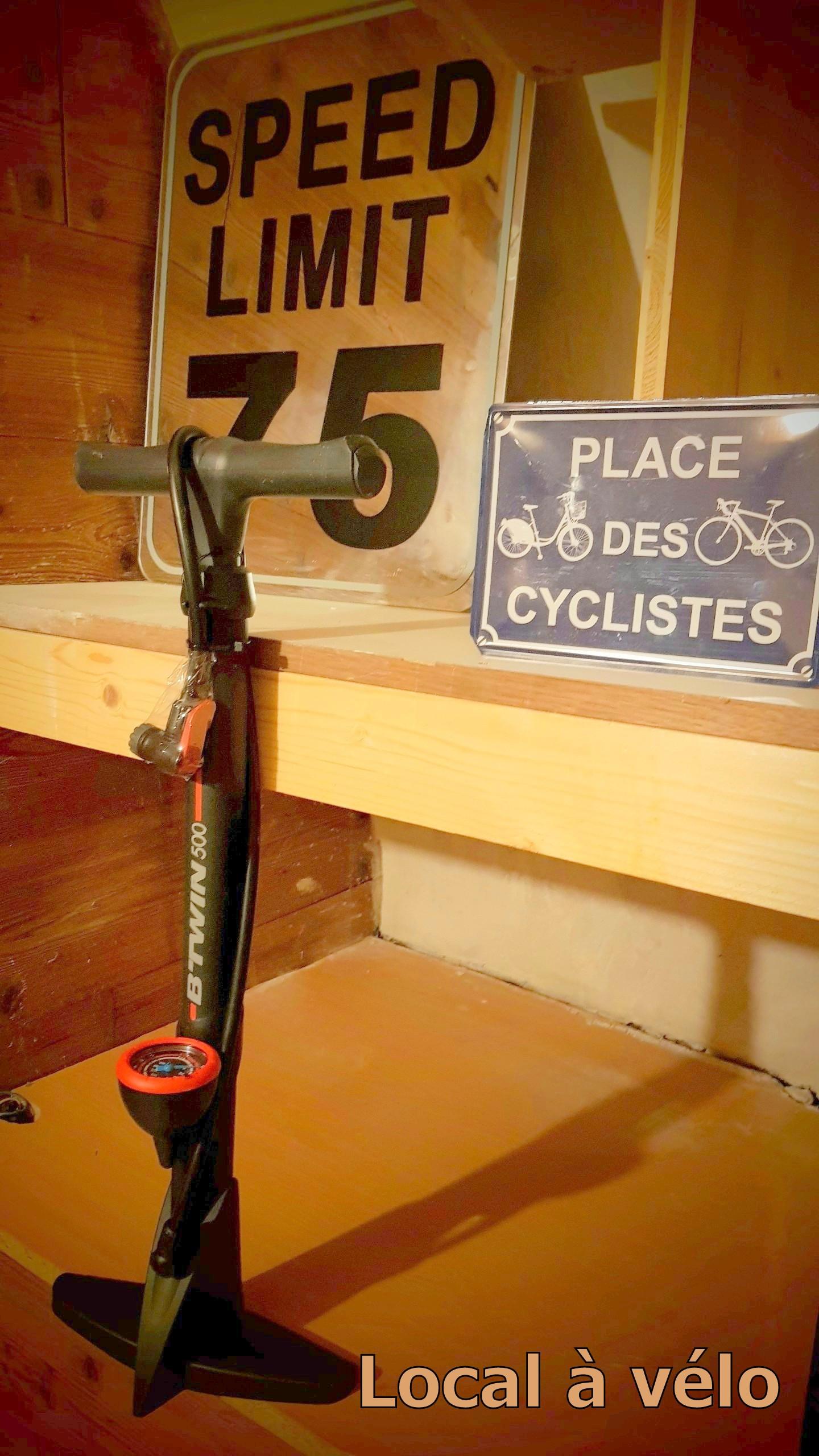 Local_à_vélo_Cosy_Lodge_Bourg_D'Oisans.j