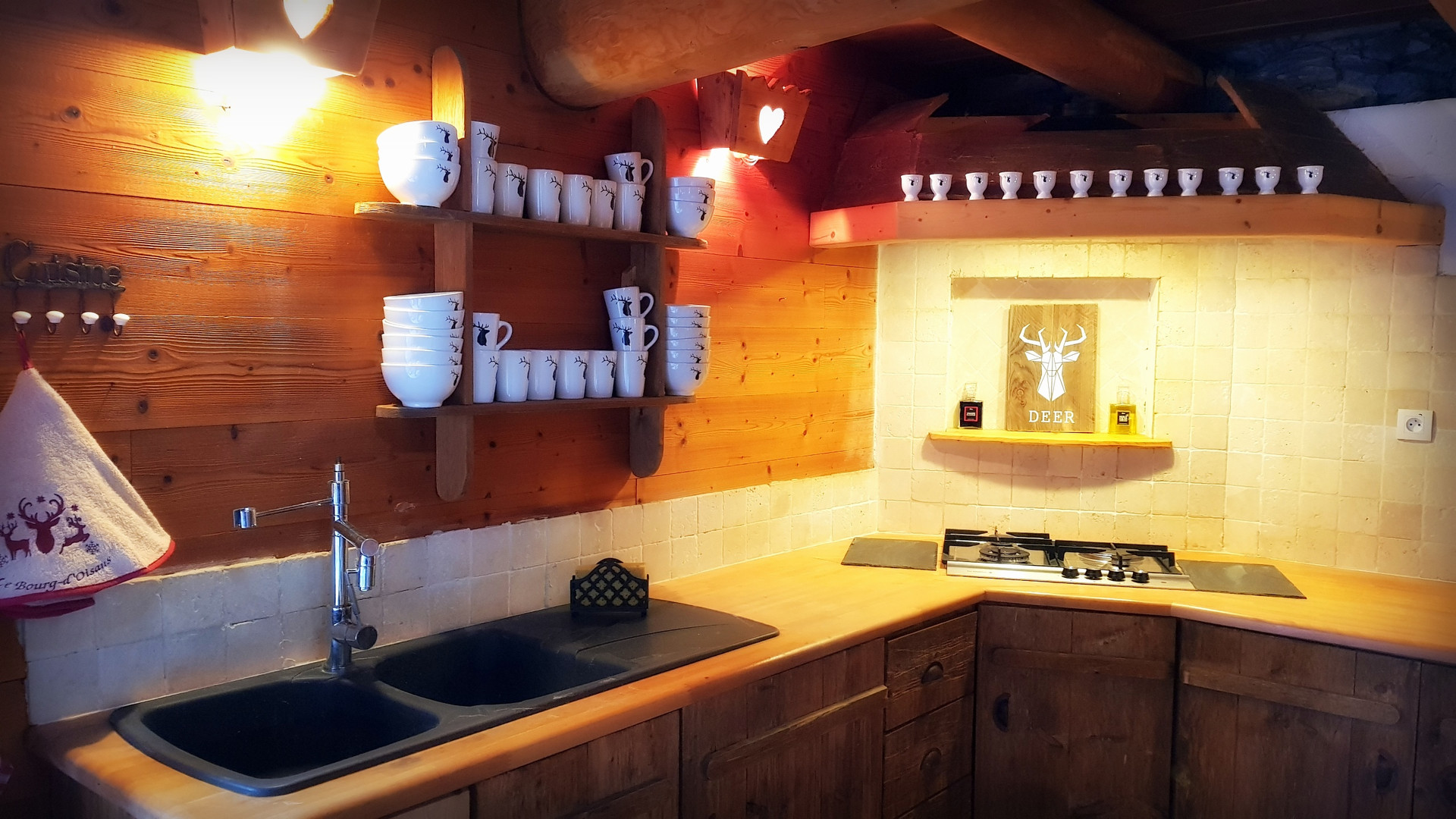 Cuisine Cosy Lodge Bourg D'Oisans .jpg
