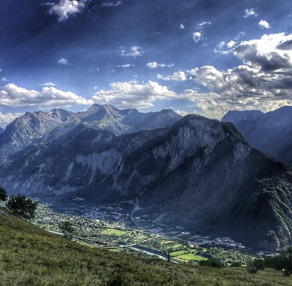 Vue sur Bourg d'Oisans.jpg
