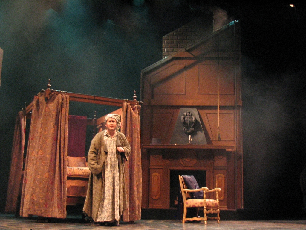 A CHRISTMAS CAROL BED-ROOM-1.jpg