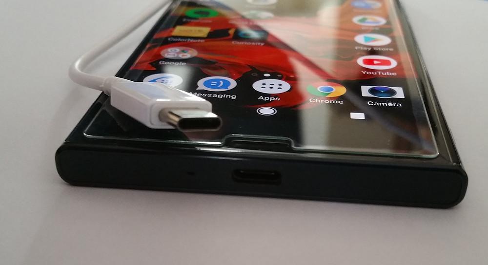 Sony Xperia XZ, Chargin Cable USB Type C