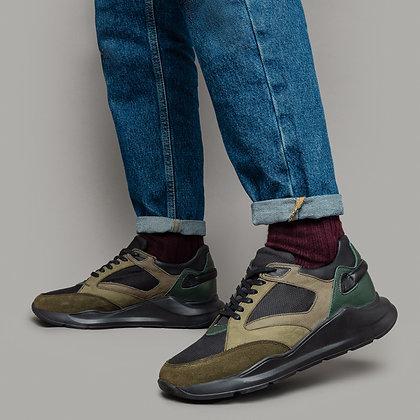 Кожаные кроссовки с велюровыми вставками