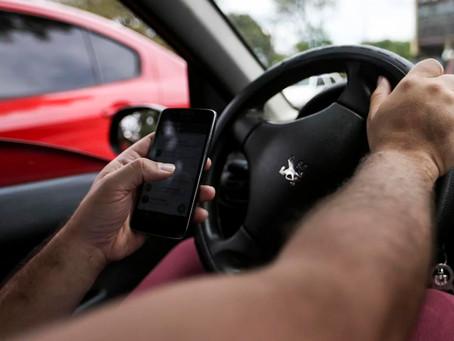 Multas por celular ao volante crescem em São Paulo