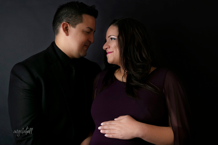 Maternity Portraits Sessions
