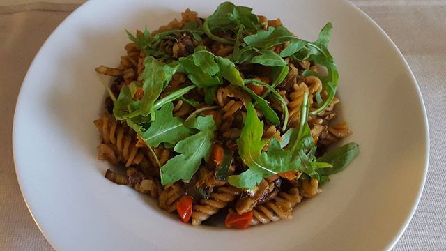 Whole grain fusilli with vegetables, vegetarian pesto and wild orange essential oil 😃