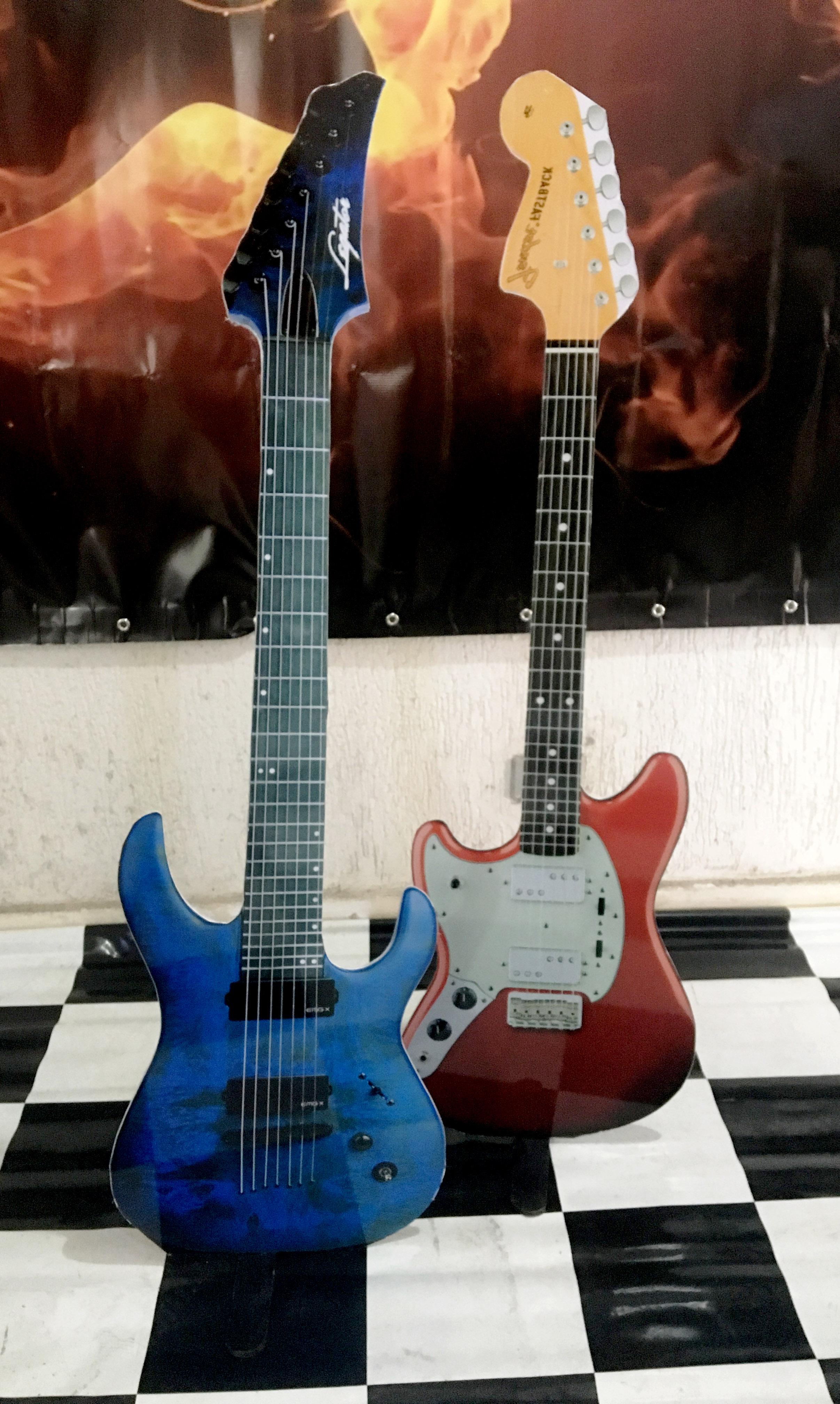 Displays Guitarras