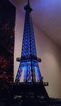 Torre Eiffel - Média