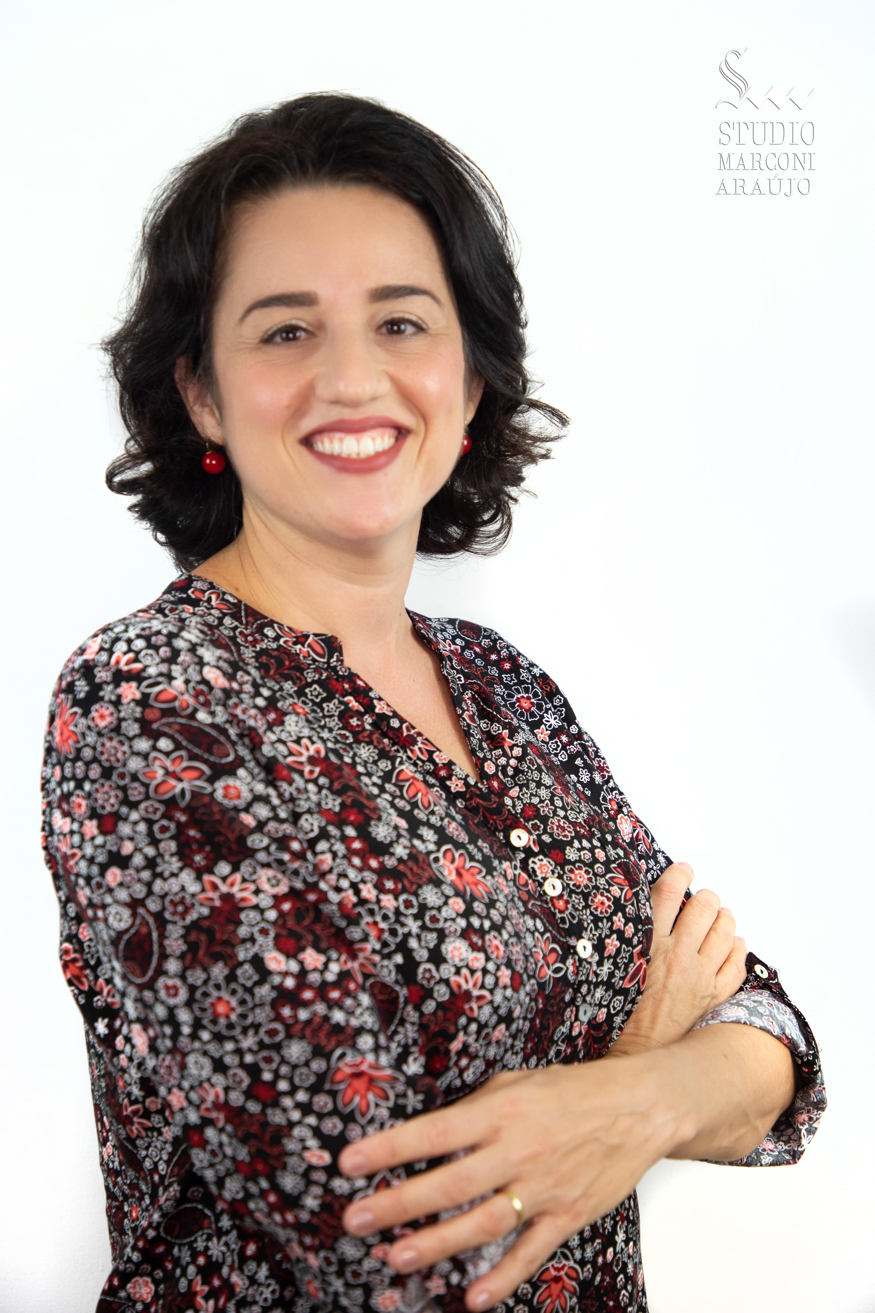 LIVIA FREIRE