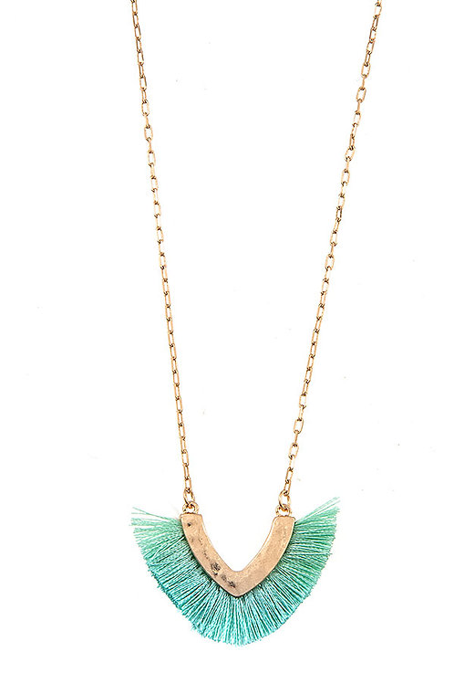 V SHAPE FRINGE PENDANT NECKLACE