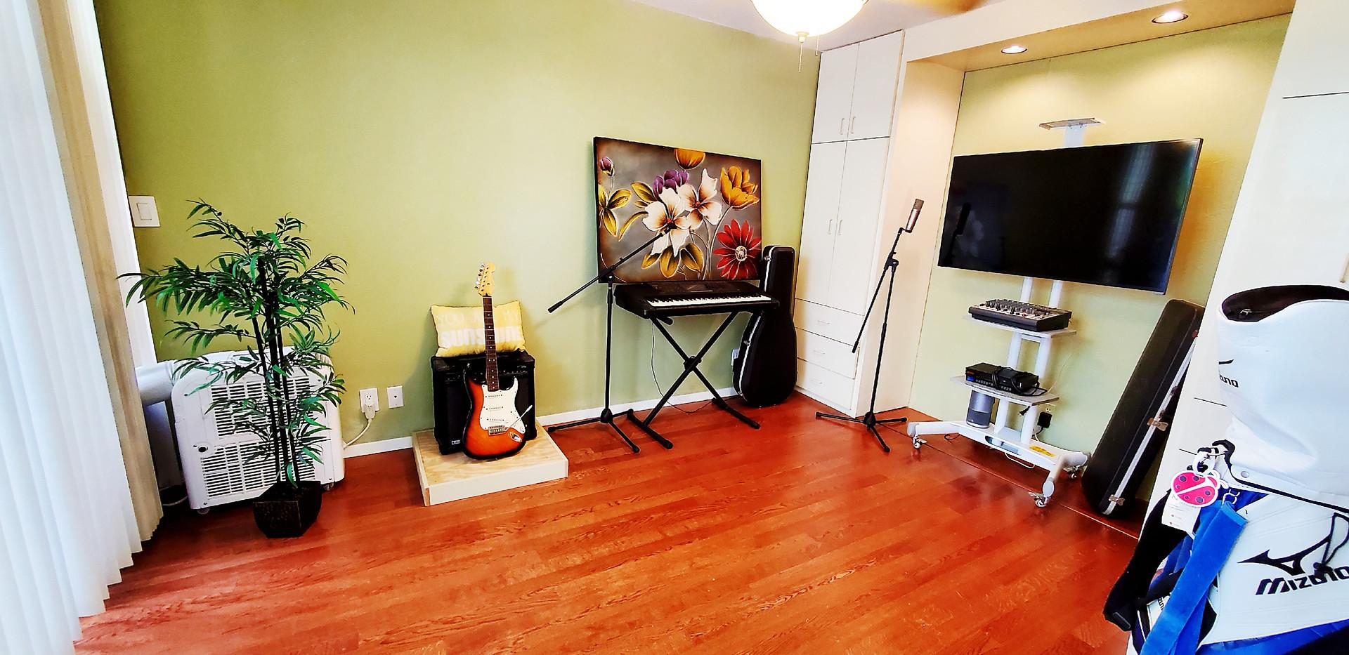 Downstair Bedroom.jpg