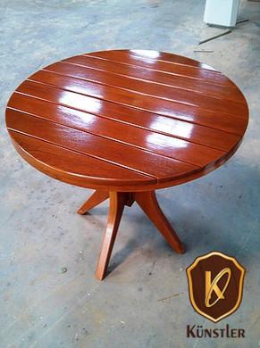 Mesa de madeira maciça para jardim.jpg