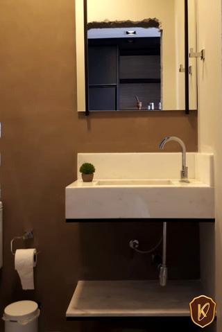 Móveis de metal para banheiro.png