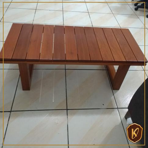 Mesa de jardim madeira maciça.png
