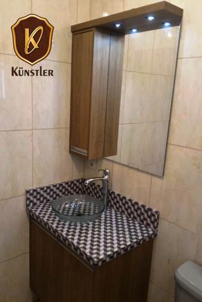 Banheiro pequeno.jpg