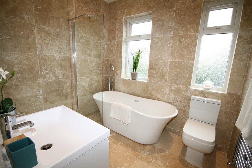 46 Maclean-Bathroom.jpg
