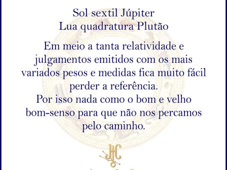 Sol sextil Júpiter e Lua quadratura Plutão